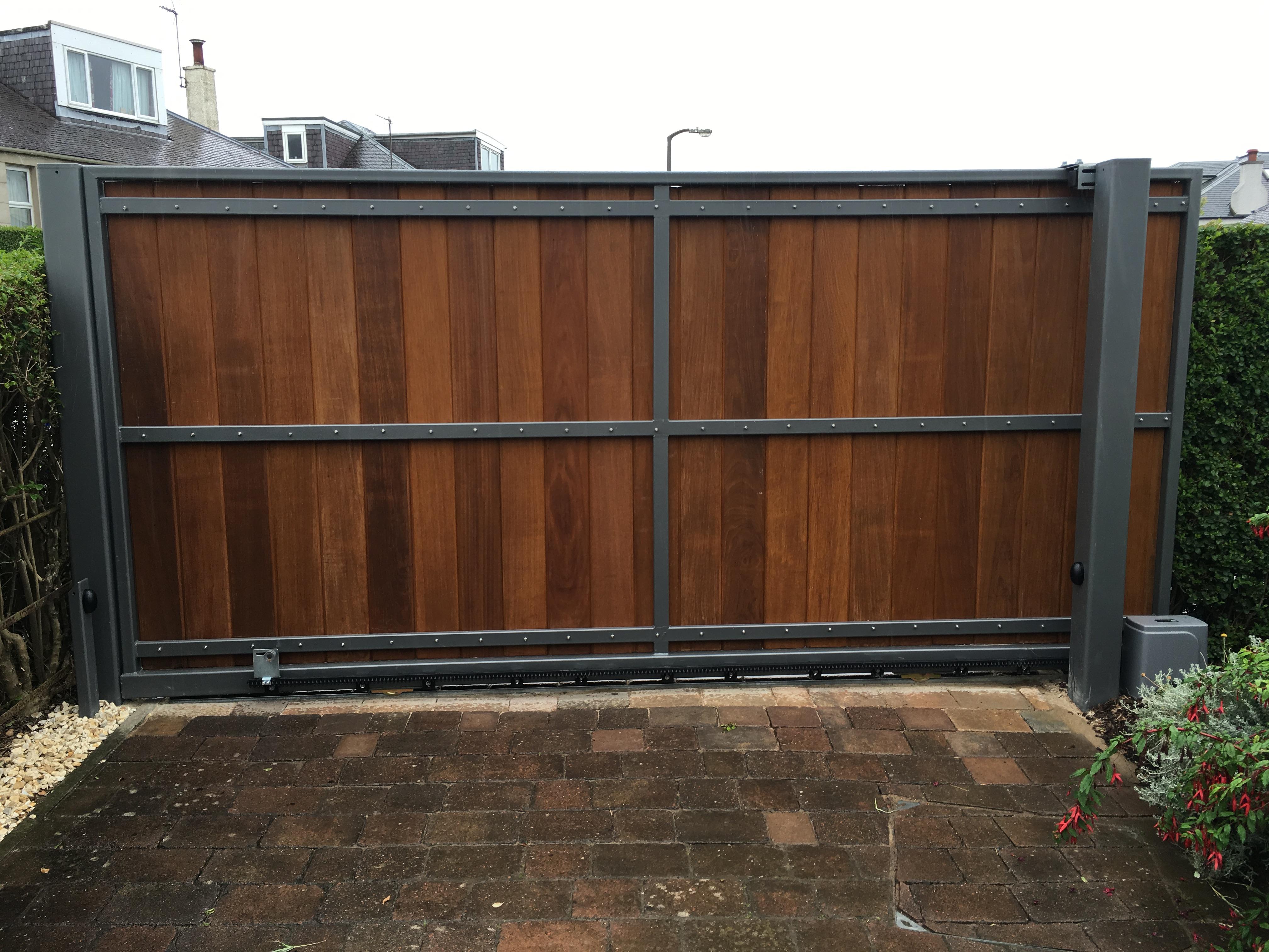 Ravelston Style Gate - Iroko Clad