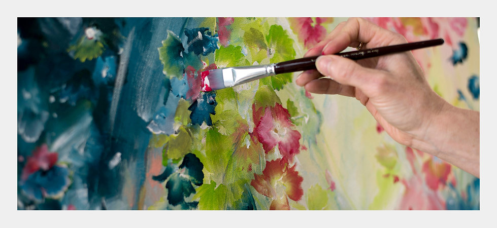 South Australian flower painter Amber Gittins creates colourful abstract flower paintings that are stunning. Modern flower paintings that are full of joy. Original flower paintings and wall art prints of flowers are for sale on her online art gallery. Floral abstract art for sale.