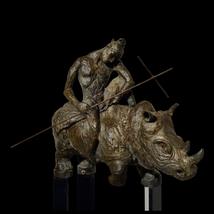 Escultura de Mariko