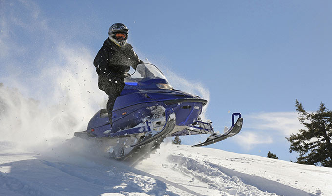 snowmobile-jump_Thinkstock_680x402.jpg