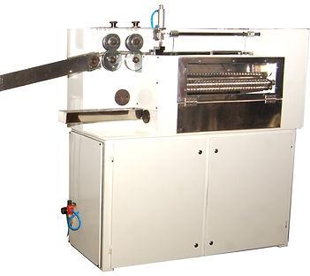 Gumball forming machine
