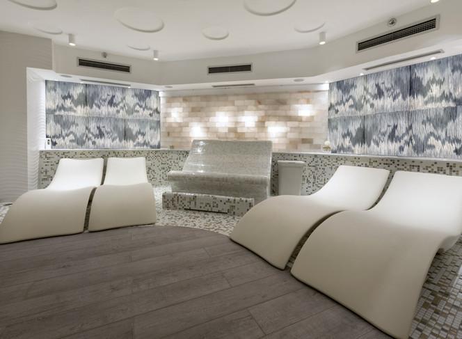Sara Dodd feature wall art in spa