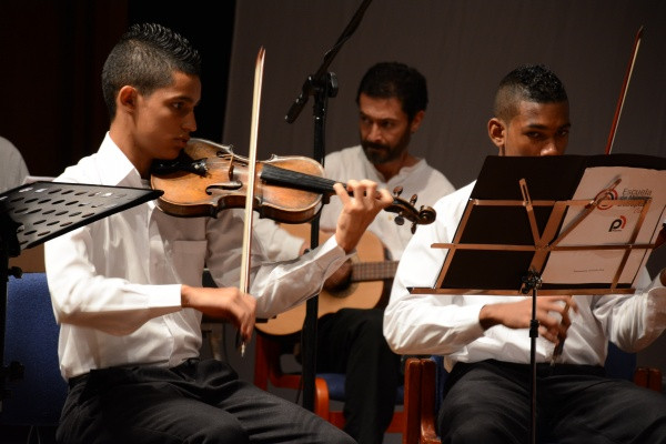 Jóvenes de la Escuela de Música Desepaz