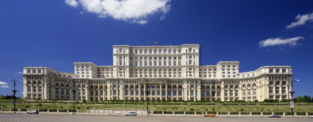 Palatul-Parlamentului-Casa-Poporului.-Istorie-trecut-şi-prezent_edited