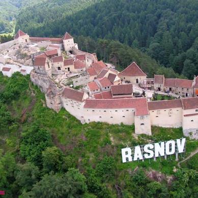 Rasnov-Romania.jpg