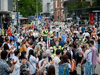 Enormer Andrang bei Team-Todenhöfer-Kundgebung in Frankfurt