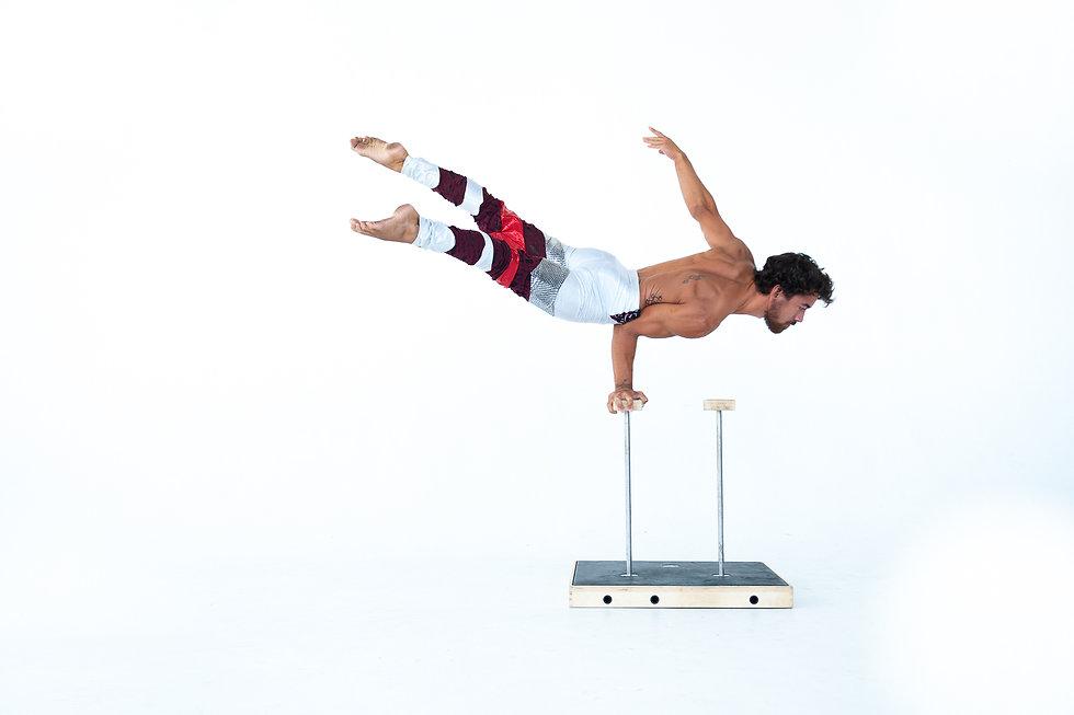 Handstands 2.jpg