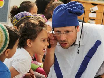 """ההצגה """"שערי ניקנור"""" הוצגה היום בגן מור בכפר סבא ובגן של חדווה ברעננה"""