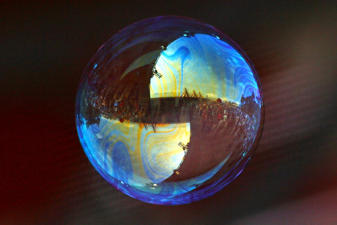 music in a soapbubble