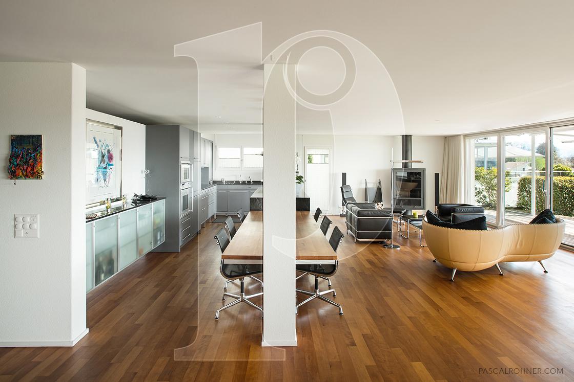 Villa – kitchen & livingroom