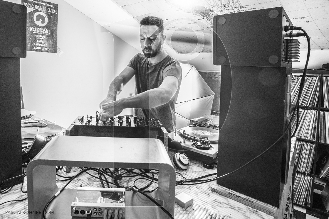 Zafer Urhan – dj in action