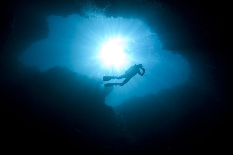 blue_holes_palau_l.jpg