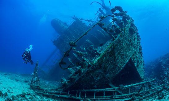 Best-Wrecks-Red-Sea-thumb.jpg