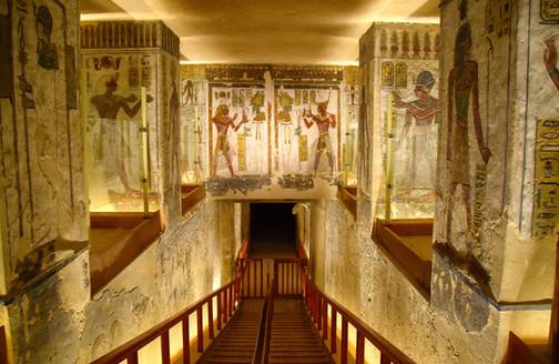 Tomb2.jpg