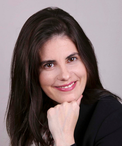 Cris Madureira (Organizadora)