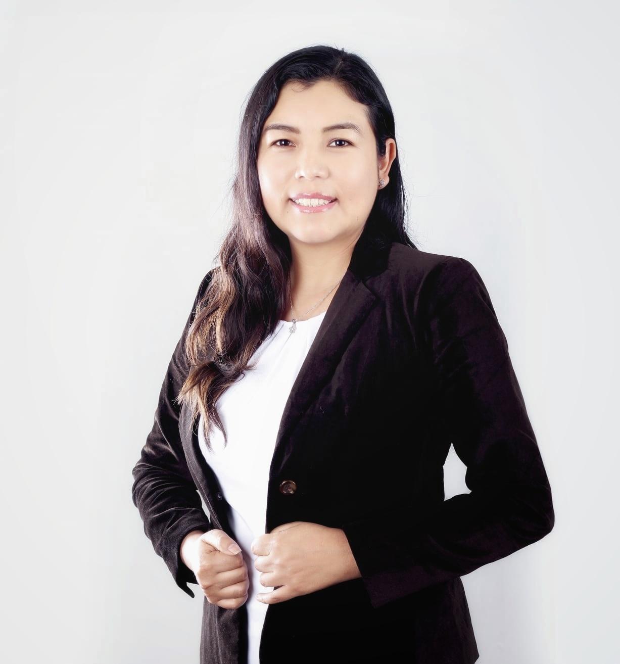 Silvia Nina (Co organizadora)