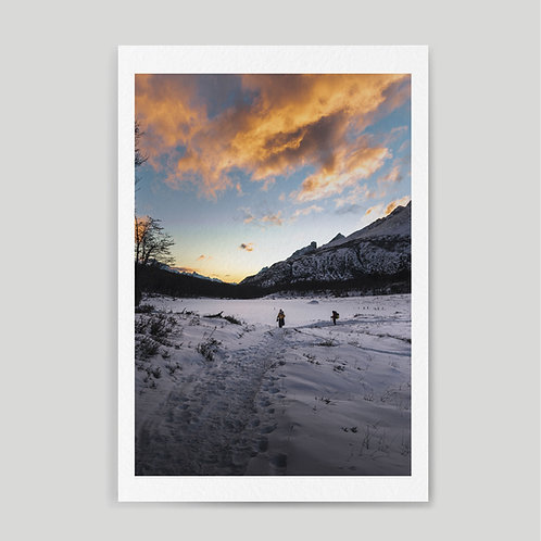 Jainnen: Winter sunset while trekking in Ushuaia