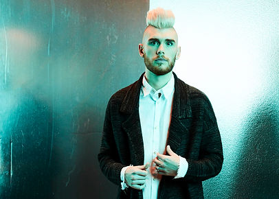 ColtonDixon press photo 2 (2017).jpg