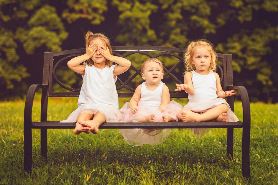 Children's-portrait-sisters