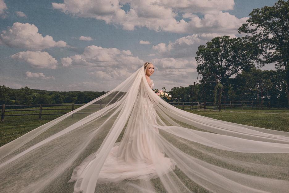Bride-Lake-of-the-Ozarks-Wedding