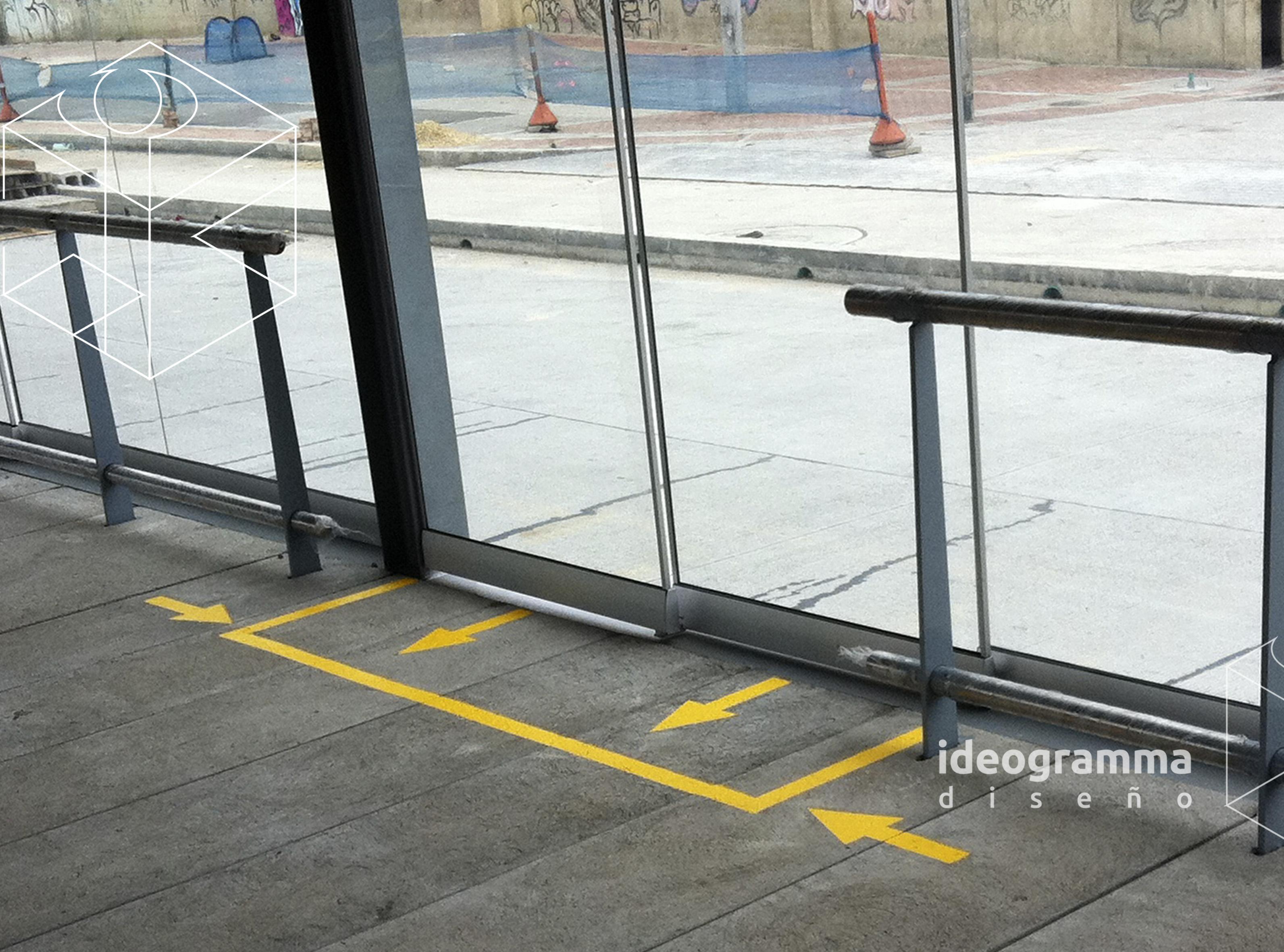IDEO- marcas piso.jpg