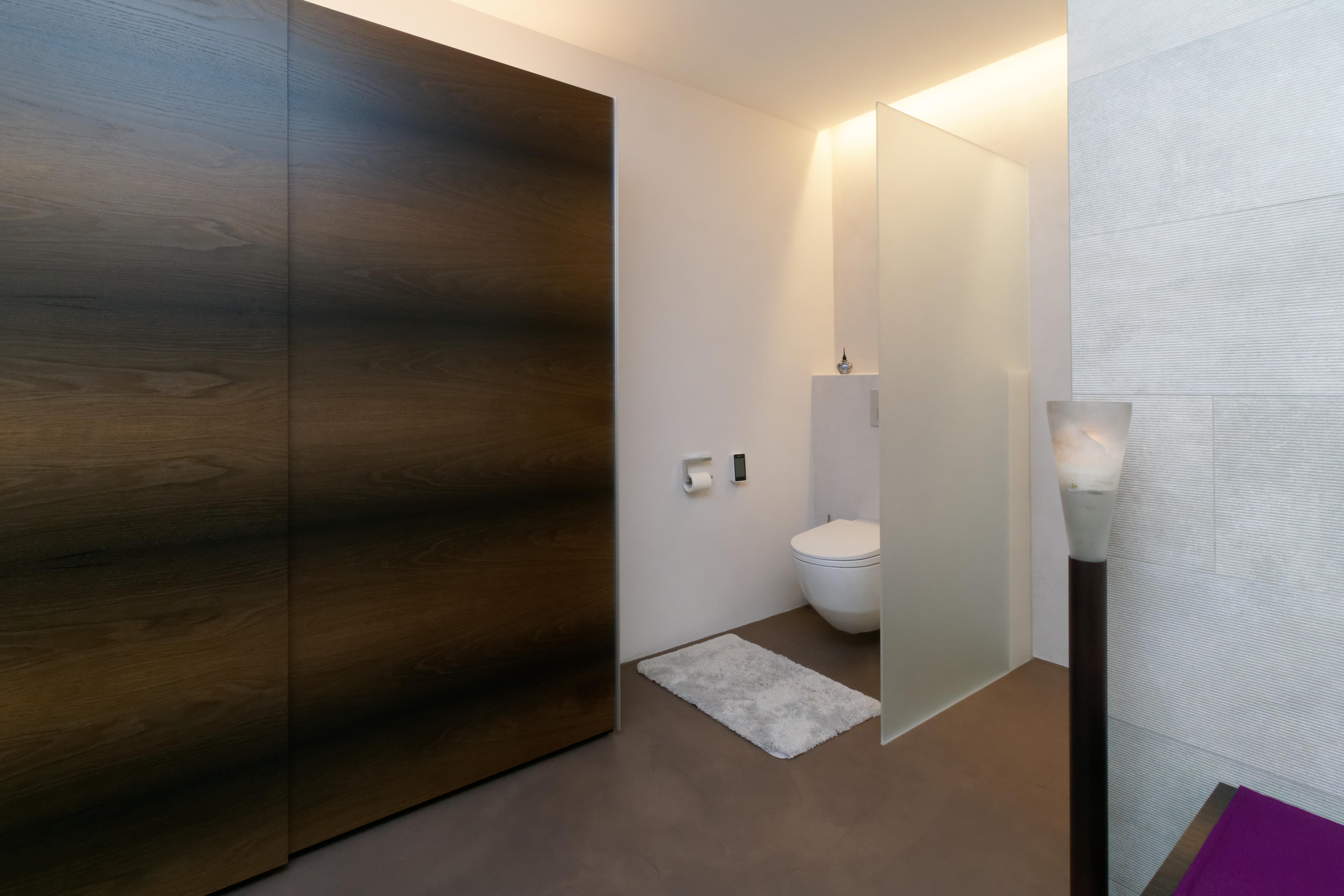 Hofwiesenstrasse 24 Badezimmer_03