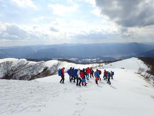 三十三間山でスノーハイキング