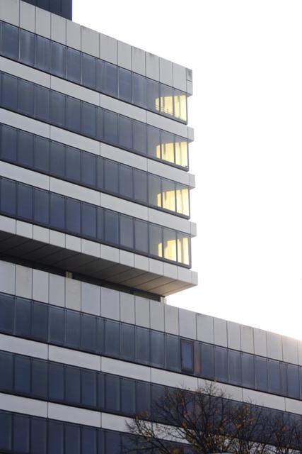 Charlottenburg, Ernst-Reuter-Platz_01