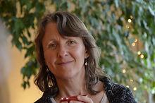 Sylvie Raude-Podolak, professeur de violon et de yoga-relaxation à l'Académie d'été de Musique à Groix en Bretagne