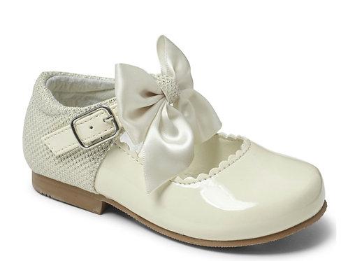 Sevva Kristy Cream Shoes