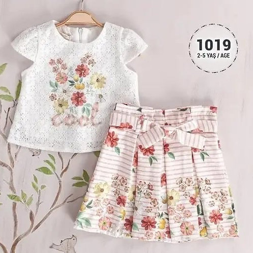 Lace T-shirt and pink skirt set