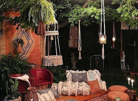 The Uses of different types of Ottomans (Leather & Carpet)