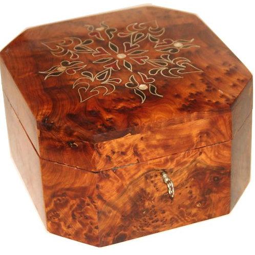 Moroccan box in Thuya