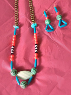 Graphic Bead Necklace & Earring Set