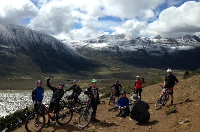 Extravagant Yak cycle tour at Gonga Shan, Sichuan