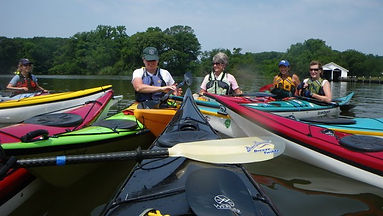 group_women_kayaks.jpg