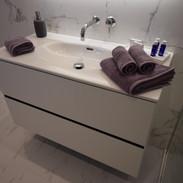 LAUFEN 1000mm wall mount vanity.JPG