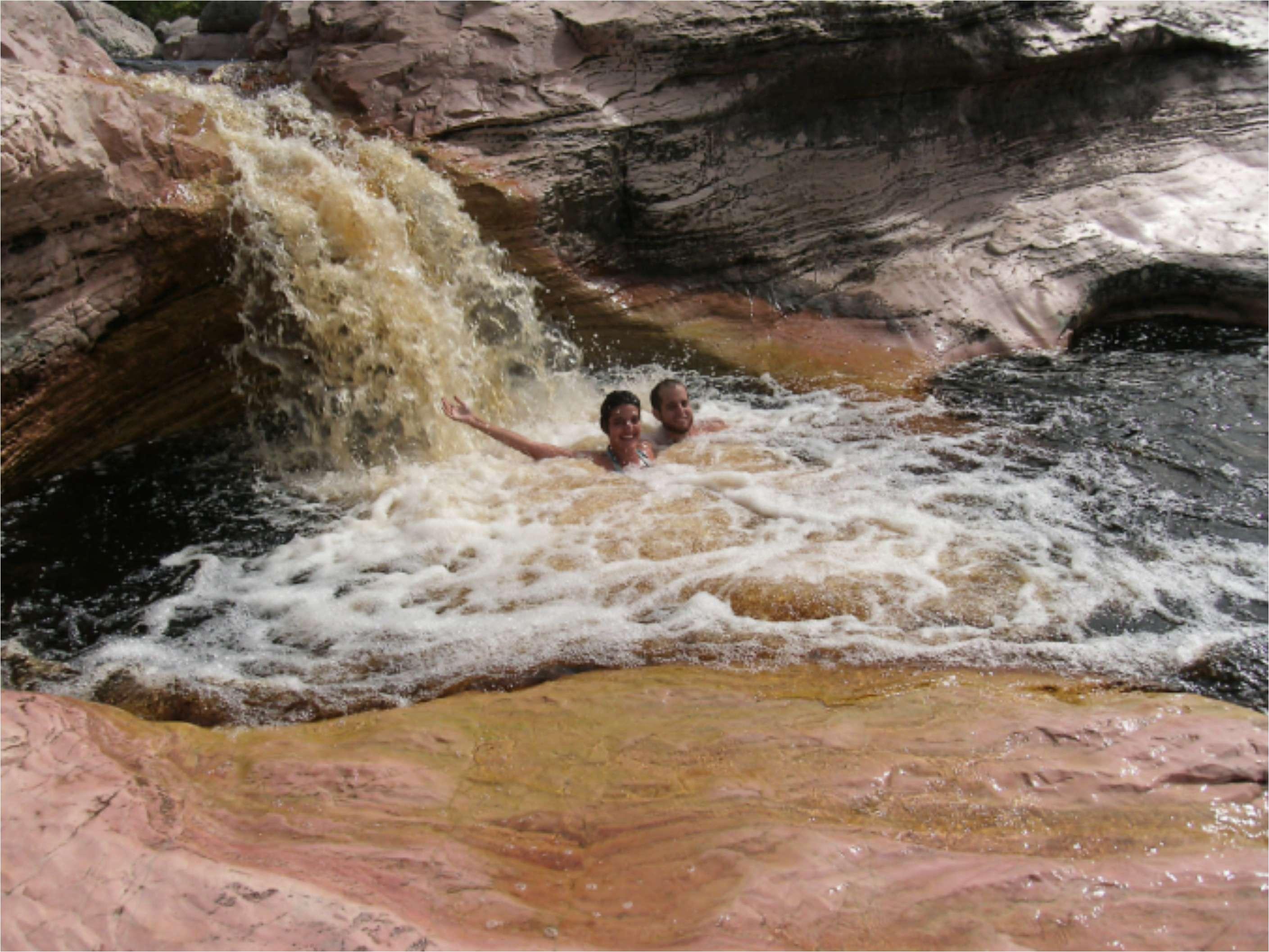 Banho de Cachoeira - Roncador