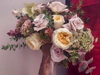 Which flowers are in season for your wedding?