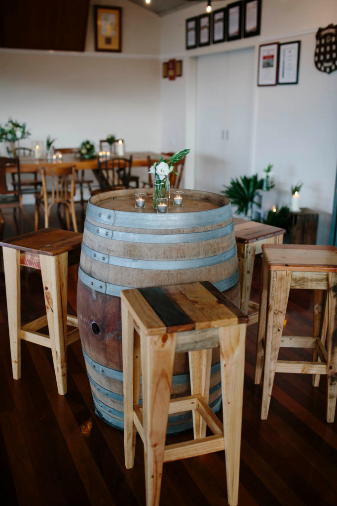 barrel-and-stools-maddie-and-scott-weddi