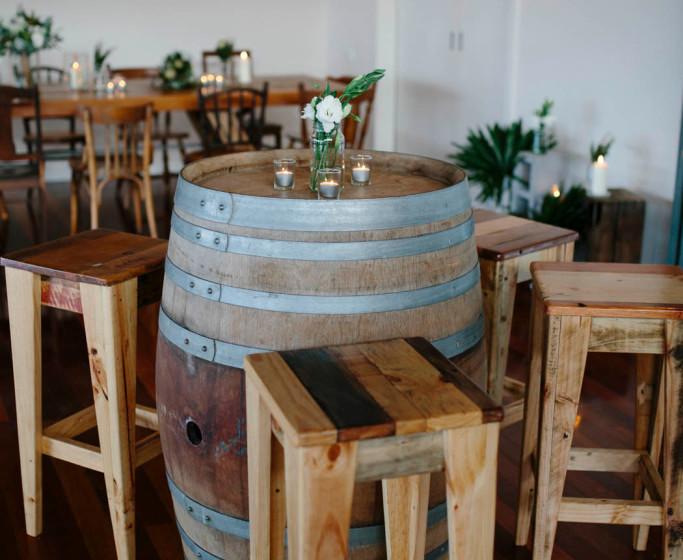 barrel-and-stools-maddie-and-scott-weddi