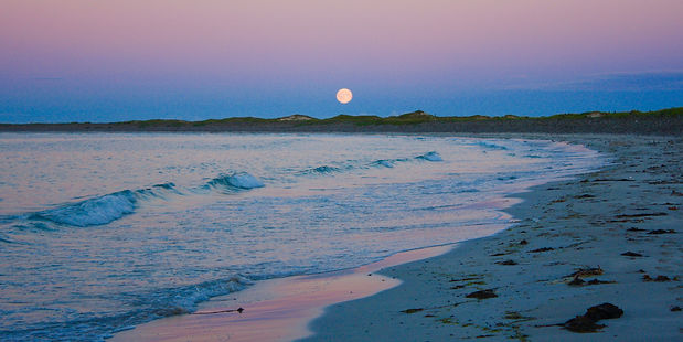 Moonrise from Whitesands, Sanday