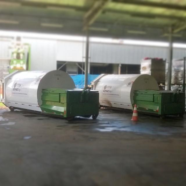 Caçambas compactadoras RNV_GOYAZLOG - Consulte-nos para fazer um orçamento da gestão de resíduos da