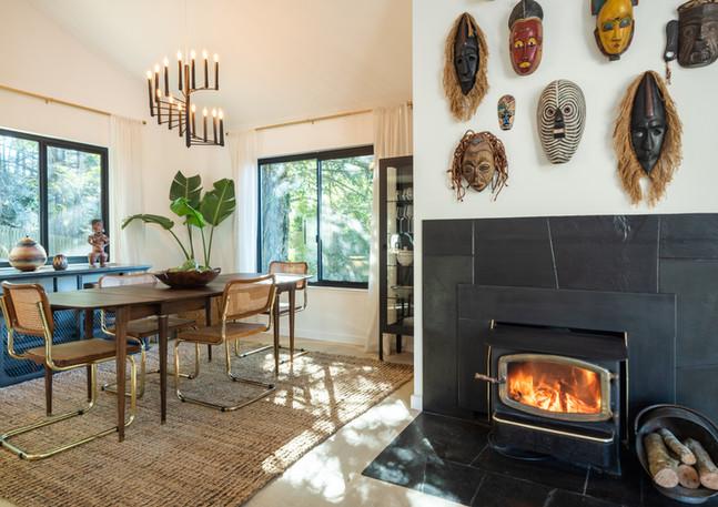 Diningroom-with-wood-fireplace.jpg