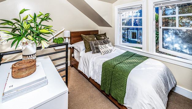 Small-bedroom.jpg