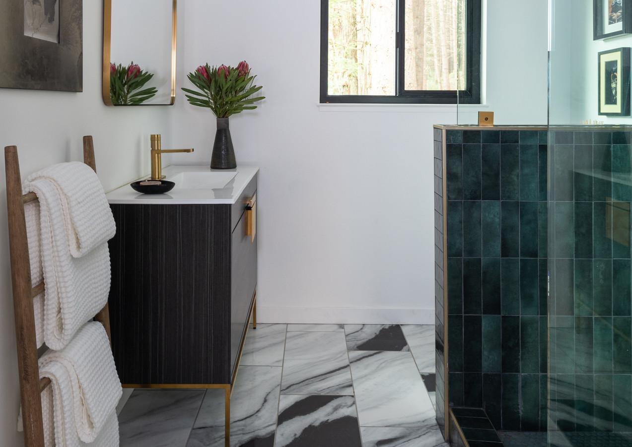 Bathroom-with-marble.jpg