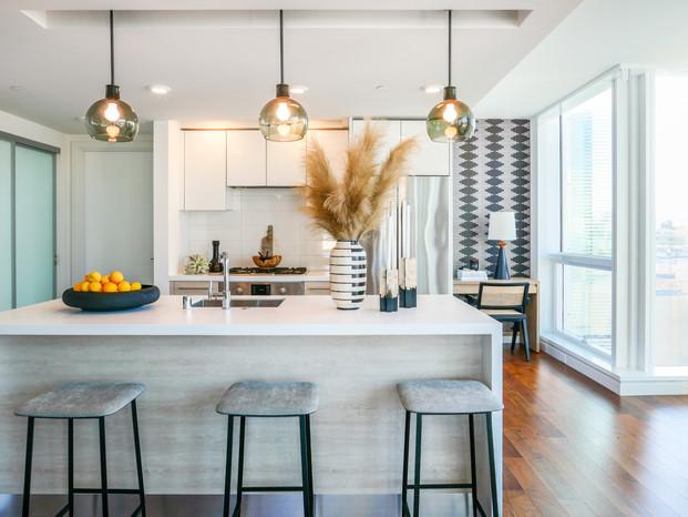 kitchen_lights_stools.jpg