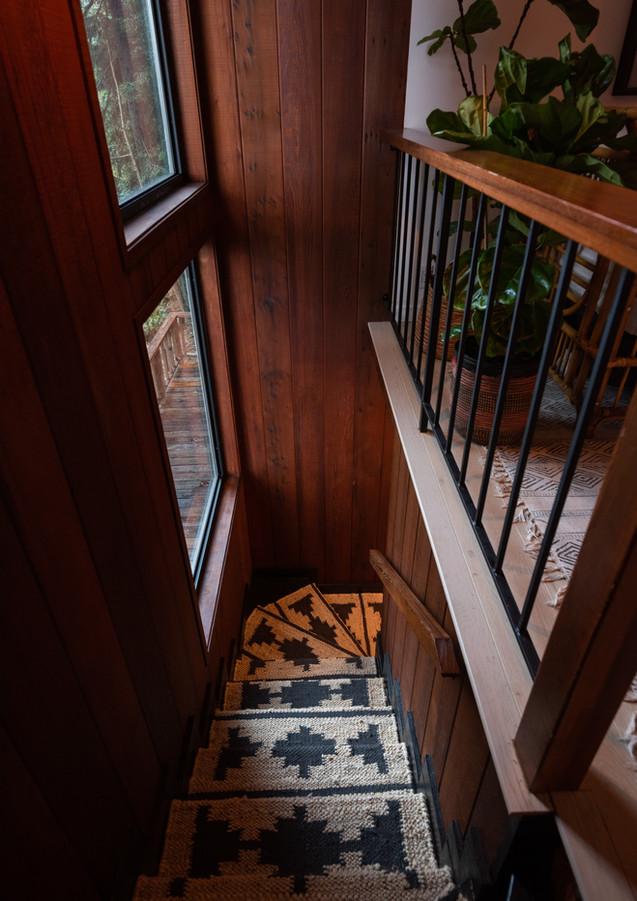 Stairway-with-runner.jpg