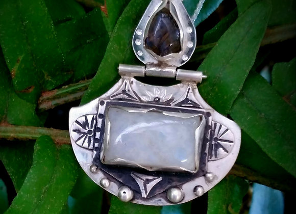 Silver Labradorite and moonstone pendant