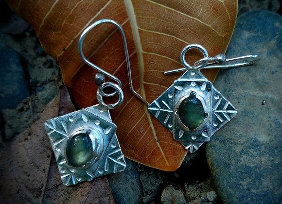Silver earrings with labardorite stone